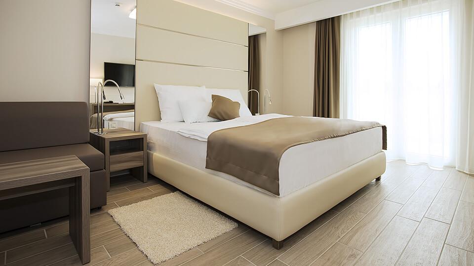 doppelzimmer mit balkon drittes bett park hotel vila rova malinska insel krk. Black Bedroom Furniture Sets. Home Design Ideas